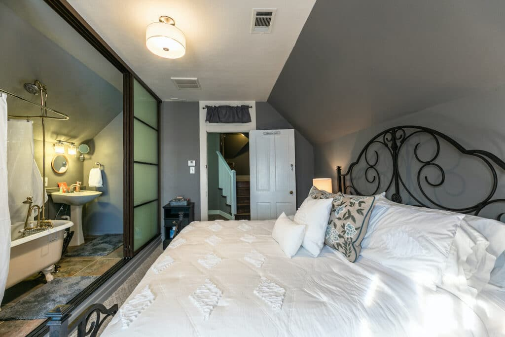 Lakeview Suite